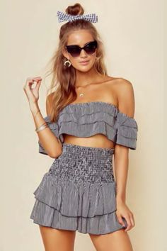 24 Sexy Tube Top Outfit Summer Casual Look - Fashion Creed Summer Outfits Women, Casual Summer Outfits, Classy Outfits, Stylish Outfits, Girl Outfits, Fashion Outfits, Fashion Trends, Beautiful Outfits, Unique Outfits