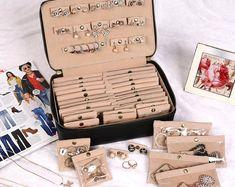 Personalized LARGE Jewelry Case Vegan Leather Necklace Organizer box ring Storage Bridesmaid Gift For Her – Jewelry Organizer Diy Ring Storage, Jewellery Storage, Jewellery Display, Jewelry Organization, Diy Jewelry Organizer Box, Jewelry Stand, Jewelry Case, Etsy Jewelry, Custom Jewelry