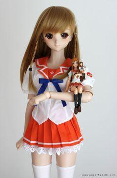 Chun's Dollfie Dream cosplaying Mirai Suenaga... posing with a Mirai Figma who poses with her own doll! Aaaaaah! .