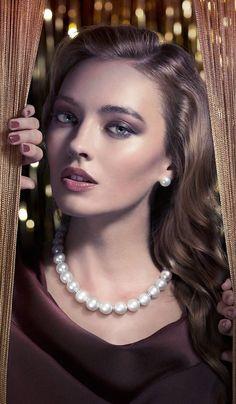 Damas Pearls