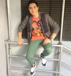 Maine's effect on Alden: 'Kitang-kita sa good vibes niya,' says his stylist Gma New, Alden Richards, News Online, Good Vibes, Behind The Scenes, Bae, Crushes, Stylists, Sporty