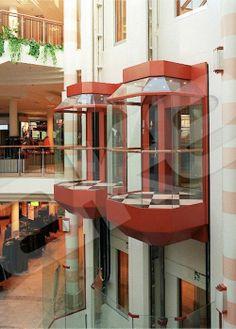 Dar alanlara sıkışamam, teknoloji kadar estetikte önemli diyorsan…  AKE'den hayatınıza renk katan asansörler!