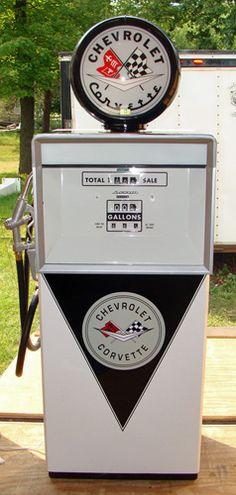 Original 1950's Wayne Service Station Gas Pump Chevrolet Hall of Fame Museum - Auction Memorabilia list