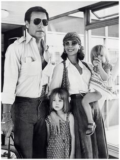 Natalie Wood arrives in London with Wagner and their children Natasha,1976