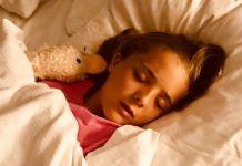 ΕΦΙΑΛΤΕΣ: Πως να βοηθήσετε το παιδί σας όταν βλέπει άσχημα όνειρα Sleep, Personal Care, Eyes, Face, Im Done, Stress, Don't Care, Sons, Everything