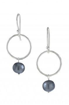 Stella & Dot Grace Pearl Earrings 39$
