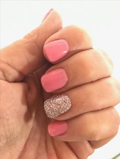 The Gel Polish Manicure Ideas are so perfect for short nails Hope they can inspire you and read the article to get the gallery. Dip Gel Nails, Dip Manicure, Gel Polish Manicure, Shellac Nails, Toe Nails, Glitter Nails, Manicure Ideas, Manicures, Nail Ideas