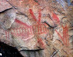 Pictographs on Mazinaw Rock, Bon Echo Provincial Park, Ontario, Canada Ontario Parks, Algonquin Park, Geometric Symbols, Canadian Art, Red Design, Human Art, Ancient Art, Historical Sites, Prehistoric