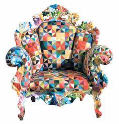 이탈리아 디자이너 알렉산드로 멘디니 그리고 한국의 조각보 장인 강금성 . 두 사람이 손잡고 만든 한국판 프루스트 의자 ( Poltrona di Proust ) .