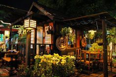 Filipino hut (bahay kubo) Filipino Architecture, Tropical Architecture, Art And Architecture, Native Restaurant, Restaurant Exterior Design, Filipino House, Bali, Colonial Home Decor, Bamboo House Design