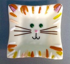 Adorable fused glass cat head dish!