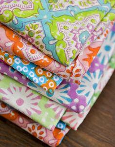A-colourful-life-mylusciouslife.A-Flea-Market-in-Brooklyn-cotton-and-silk-fabrics-at-Cristina-Gittis-booth.jpg (360×460)