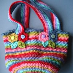 Lucy's Jolly Chunky Bag, a smaller version of her big floppy yarn bag. Crochet Shell Stitch, Crochet Tote, Crochet Handbags, Crochet Purses, Crochet Crafts, Free Crochet, Free Knitting, Purse Patterns, Crochet Patterns