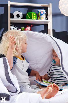 Unsere Decken von Matz&Co eignen sich auch zum Verstecken. ☺️ #meinhöffi   #höffner #hoeffner #wohnen #möbel #wohnraum #wohndesign #wohnidee #decke Pillows & Throws, Bed Covers, Mattress, Reach In Closet, Bedroom, Homes