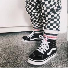 "Sepatu VANS Little Boy<br><a class=""btn btn-danger m-t-10"" href=""/product_detail/ds-BjefDl0O67/"">Beli Barang</a> High Tops, High Top Sneakers, Vans, Shoes, Fashion, Moda, Zapatos, Shoes Outlet, Fashion Styles"