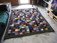 Kész! http://teszekveszekvacakolok.blogspot.hu/2012/11/jaj-tudom-hogy-most-nem-ezt-kellene.html  Crochet blanket