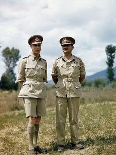 of England seen with Canadian Lt. Burns, commander of Canadian I. Corps in Italy. George Vi, Amazing Spider Man Comic, The Crown Series, British Army Uniform, Battle Dress, English Gentleman, Canadian Army, Military Fashion, Military Style