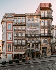 Beautiful architecture in Porto, Portugal. Sintra Portugal, Visit Portugal, Oh The Places You'll Go, Places To Travel, Places To Visit, Road Trip Portugal, Visit Porto, Road Trip France, Balkon Design