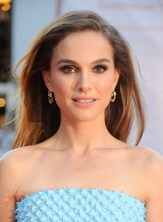 Natalie Portman wore intricate 'Diorette' earrings from Dior Fine Jewellery for her appearance at the NYC Ballet Gala 2013, which were inspired by Christian Dior's garden.