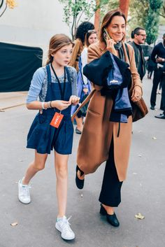 Prima Darling takes a look at the style legacy of Celine designer, Phoebe Philo, in the wake of rumors about her departure. Phoebe Philo, Look Fashion, Daily Fashion, Womens Fashion, Celine, Urban Chic, Stylish Kids, Her Style, Latest Fashion Trends