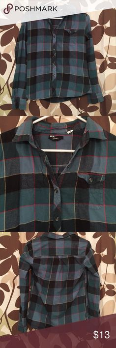 🎉SALE🎉BDG BOYFRIEND FLANNEL Urban Outfitters BDG TARTAN BOYFRIEND FIT FLANNEL. Dark Green and red. Light weight. Soft woven flannel button-down shirt. 100% cotton. A fall must have. Ever-essential plaid flannel button-down shirt from BDG in a slim boy fit. With classic details featuring a pointed collar, button-down front, chest pocket. Worn only a hand full of times. Urban Outfitters Tops Button Down Shirts