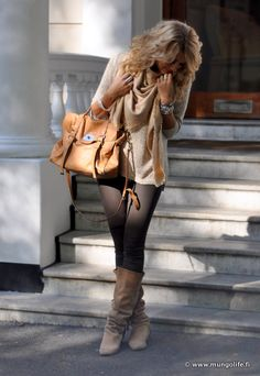 broek, Zara  aarzen, Zara  trui, Zara   sjaal, Louis Vuitton   tas, Mulberry