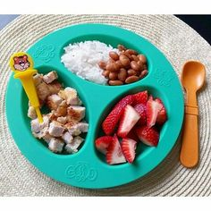 Delicious dinner with Pick-Ease!! Www.Pick-Ease.com  repost via @instarepost20 from @big.boss.bites Dinner: breaded pork chops, rice & beans, strawberries.  #bigbossledweaning #bigbossbites #blw #babyledweaning #blwideas #20months #toddlerfood #homemadefood #familymealideas #kids #kidsfood #feedfeed #yum #yumr #yummy #Eeeeats #toddlerbites #pickeaseplease #pickease #pickeasefun #funwithfood #recycled #replaykids #replayrecycled #instarepost20