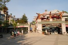 Panoramio - Photo of Whistler Earls Restaurant and Holiday Inn