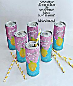hierkribbelt's.  Frisch, leicht und kribbelig! Goodi ist eine erfrischende Bio-Limonade mit Zitronensaft und einem Hauch Minze. Und weil sauer lustig macht, gibt es bei jedem Schluck auch ein wenig gute Laune dazu. Ist doch goodi! Beverages, Drinks, Arizona Tea, Drinking Tea, Goodies, Lemon, Canning, Juice, Mint