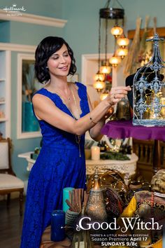 "I want that light fixture in the background! Where did they find this for set decorations on ""The Good Witch"" series! Good Witch Season 2, The Good Witch Series, Witch Tv Series, Witch Film, Hallmark Good Witch, Witch Tv Shows, Katherine Bell, Lisa Bell, Netflix"