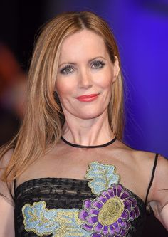 Leslie Mann's Gorgeous Eyeshadow and Pink Lipstick