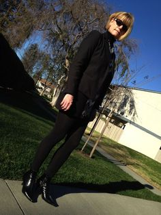 All black outfit Andreas Wellness notes | 40plusstyle.com