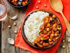 curry z ciecierzycy, danie na talerzu