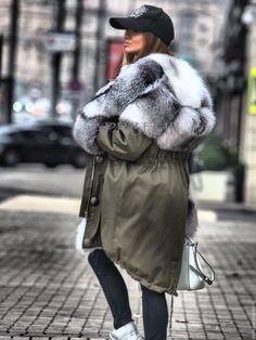 Верхняя одежда ручной работы. Парка хаки олива с мехом полярной лисы. Зимняя теплая вещь. Anna. Ярмарка Мастеров.