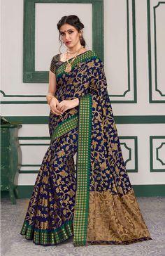 Crepe Silk Sarees, Tussar Silk Saree, Art Silk Sarees, Pattu Saree Blouse Designs, Blouse Designs Silk, Indian Beauty Saree, Indian Sarees, Black Saree, Saree Look