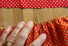 Hazeltjes: Rimpelen met de Overlockmachine Boho Shorts, Lockers, Fashion, Moda, Fashion Styles, Locker, Fashion Illustrations, Closet, Cabinets