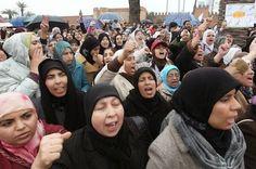 Acabar con el aborto clandestino en Marruecos La legalización de la interrupción voluntaria del embarazo está sobre la mesa de trabajo del rey, que ha convocado a los expertos a reflexionar sobre el tema Analía Iglesias | El País, 2015-04-08 http://elpais.com/elpais/2015/04/07/planeta_futuro/1428426026_593635.html