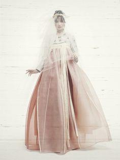 """koreanmodel: """"Jin Ah Reum for Elle Wedding August 2014 """""""