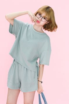Casual and comfortable full piece casual apparel for all day wear, available for just 77 RMB or about US$11.69 on Mogujie!   Visit Chinaebuys at www.chinaebuys.com to buy and ship internationally from China!  套装,宽松,舒适,清新,新品
