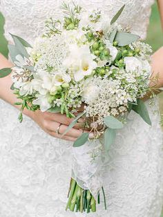 In a world full of roses, be the wildflower with these 15 standout wildflower wedding bouquets.