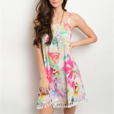 Ivory floral dress! Available in S-M-L Dresses