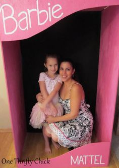 Barbie Birthday Party - Make a barbie box to take fun photos!