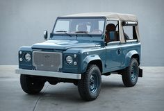 Land Rover Defender Heritage | If we were to describe perfection, we´d probably use these images. The guys over at Cool & Vintage have restored another one of a kind vehicle, this beautiful Land Rover D90 Heritage is in pristine condition, was fully restored to the highest standard and looks amazing.