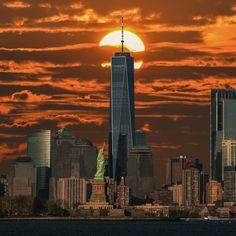 One World Trade Center by Joe Ferraro - New York City Feelings World Trade Center Pictures, One World Trade Center, Monuments, Nyc Go, Bronx Nyc, New York City Map, York Hotels, Washington Square Park, Viajes