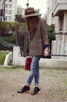 Boyish jacket. Love it. And the shoes.