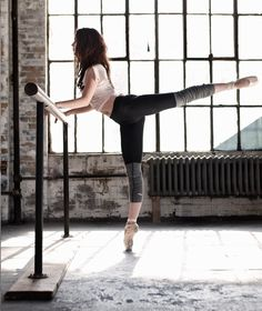 Love this ballet look—long lean muscles... NO bulky muscles! This is why I do barre for a dancers body!