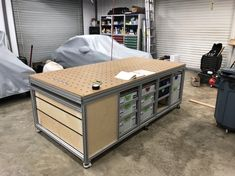 Festool Jigs and Tool Enhancements BF / MFT Build The Basics of Rose Gardens There are two main clas Woodworking Bench, Woodworking Shop, Woodworking Projects, Garage Tools, Garage Workshop, Rope Shelves, Wooden Shelves, Assembly Table, Carpentry Tools