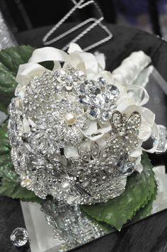 Stunning Broach Bouquet by Decora Mood! http://www.weddingshows.com