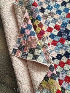 Make: Postage Square with Ticking Backing. Old Quilts, Antique Quilts, Scrappy Quilts, Vintage Quilts, Amish Quilts, Primitive Quilts, Quilt Baby, Patch Quilt, Quilt Blocks