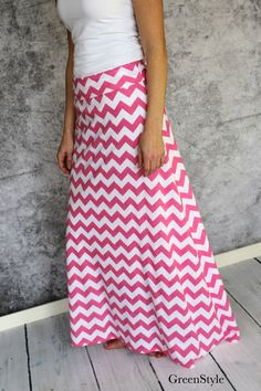 Bubble Gum Pink and White Chevron Maxi skirt for by Gogreenstyle Navy Dress Outfits, Maxi Skirt Outfits, Modest Dresses, Modest Outfits, Modest Fashion, Outfits For Teens, Cute Outfits, Fashion Outfits, Church Dresses